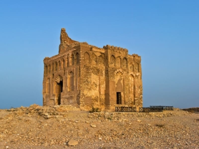オマーンの世界遺産「古代都市カルハット」ビビ・マリアム廟