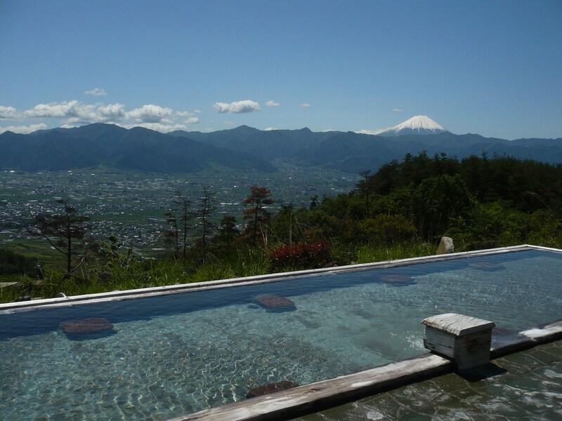 ほったらかし温泉の2つの湯を比較!日の出・夜景も