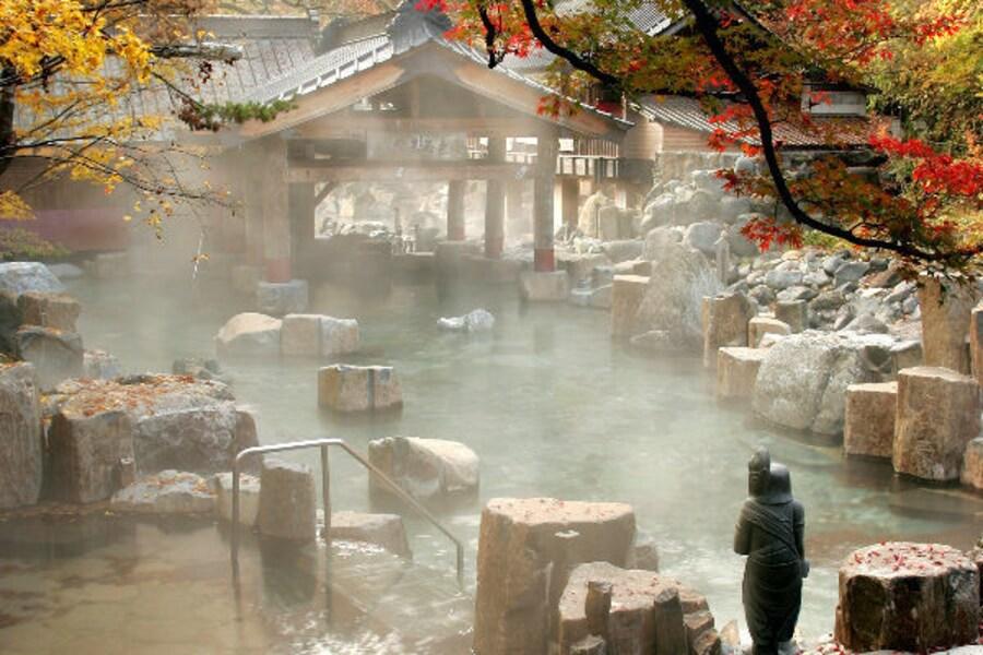 宝川温泉汪泉閣の楽しみ方!日本最大級の絶景混浴露天