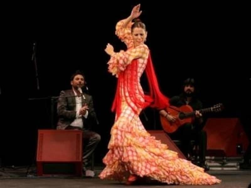 世界のダンス! セクシーなものから伝統的なものまで厳選10種