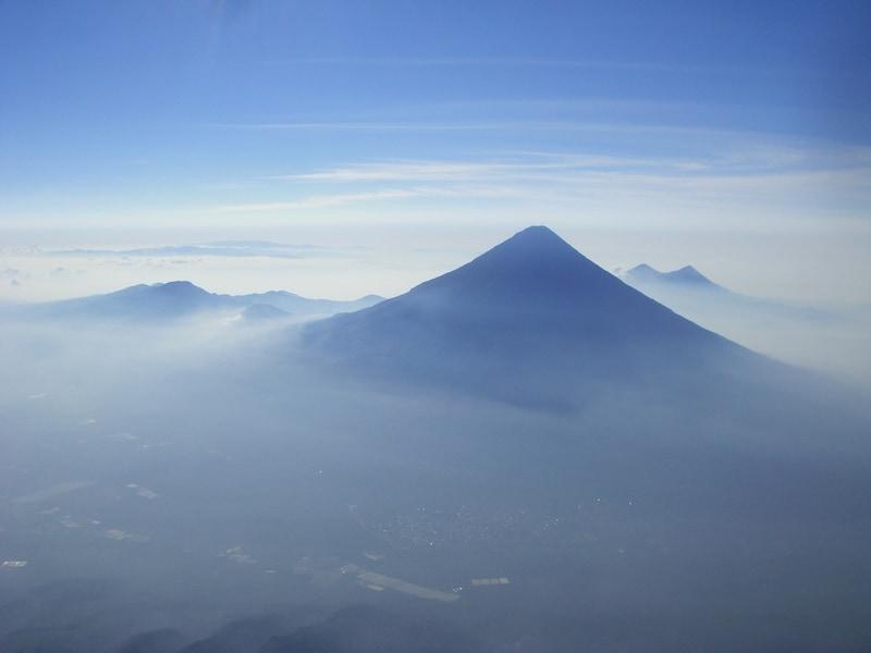 美しい……富士山にそっくりな世界の山5選