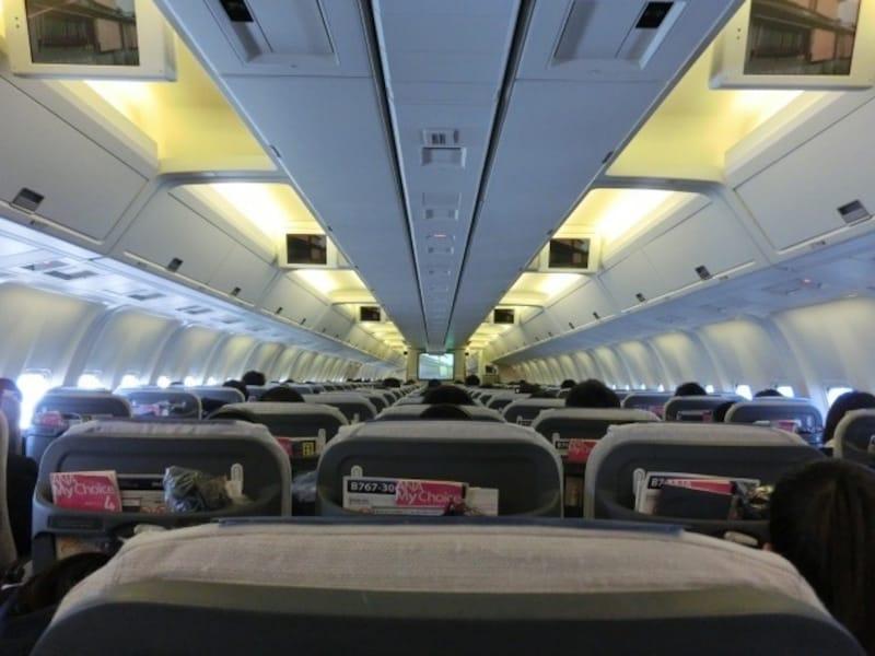 飛行機の座席選びで失敗しない方法!ベスポジの探し方