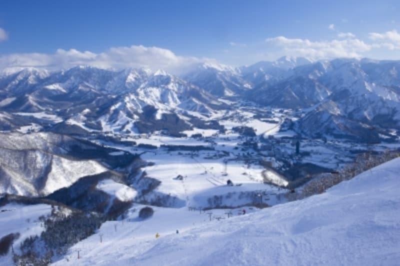 雪山はどんな場所でも、雪崩などのリスクからは逃れられません。でも対策として、ルールを守れば危険な目にまきこまれにくいのです