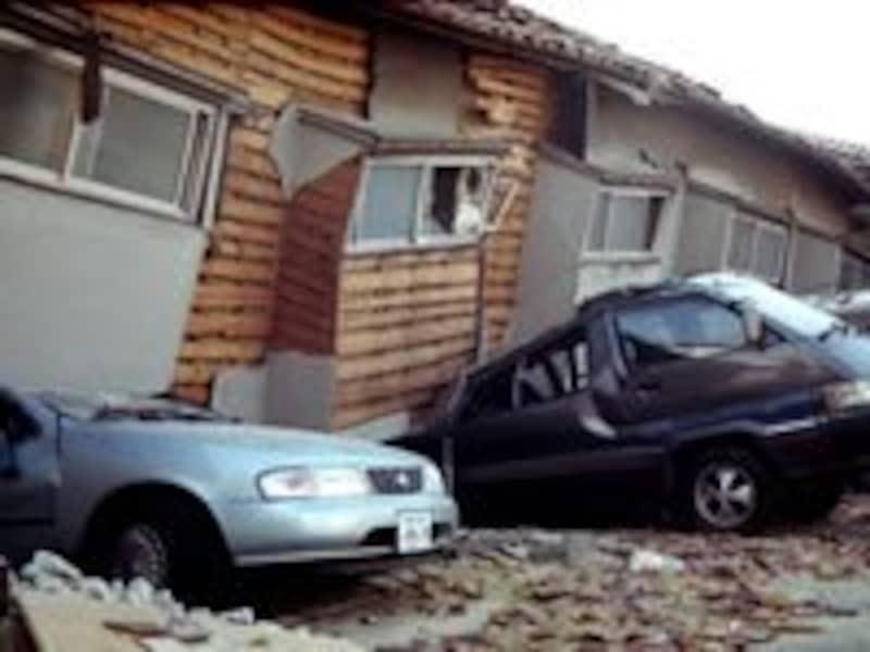 地震被害を受けても、私たちの生活は自力再建が基本