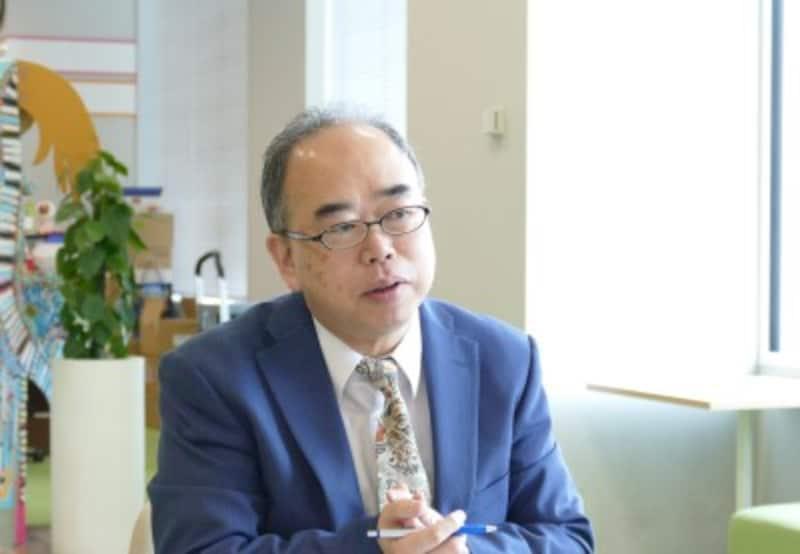 「離婚110番」主宰の澁川良幸さん。離婚について年間3600件ほどの相談をこなしている。