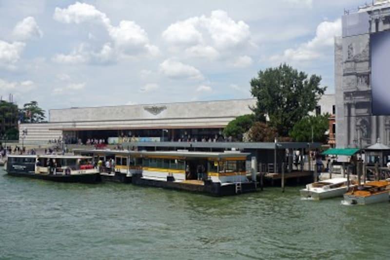 ベネチア本島の水上バス