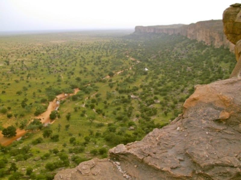マリの世界遺産「バンディアガラの断崖(ドゴン人の地)」