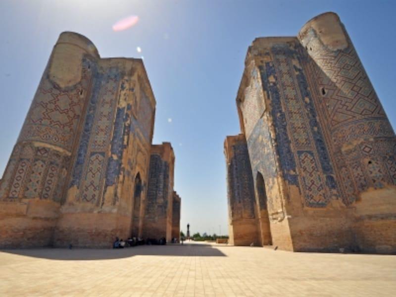ウズベキスタンの世界遺産「シャフリサブス歴史地区」にあるティムールの離宮、アク・サライ