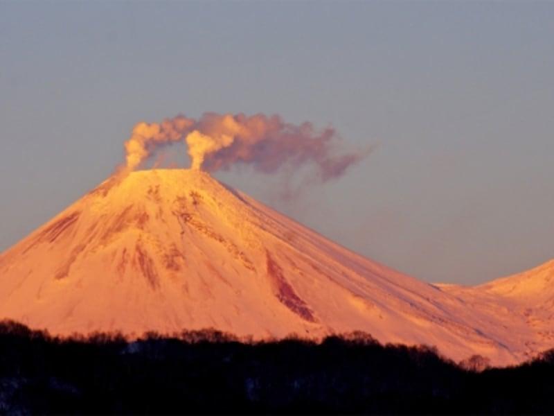 ロシアの世界遺産「カムチャツカ火山群」のアヴァチンスカヤ火山