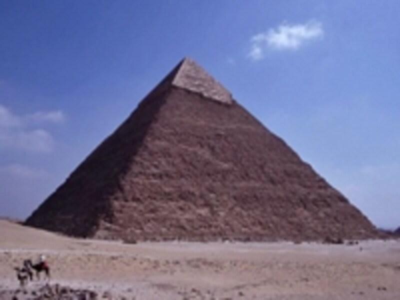 ギザのカフラー王のピラミッド ©牧哲雄