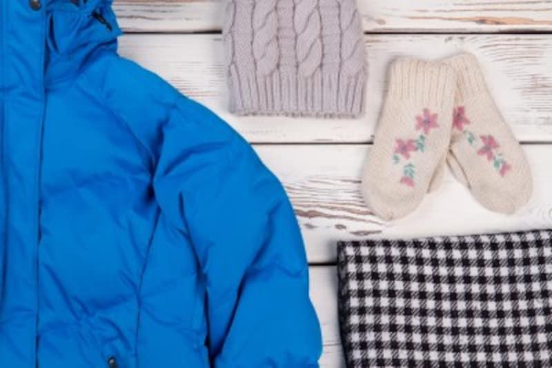 コートやダウンなどのアウター、マフラーや手袋……冬服・冬小物はかさばって収納しにくいものです