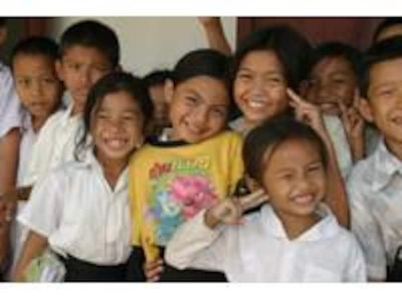 100円でミャンマーの子どもたちのワクチン5本分になります。小さな活動も集まれば大きな力になる!それがプチボランティア。©JCV