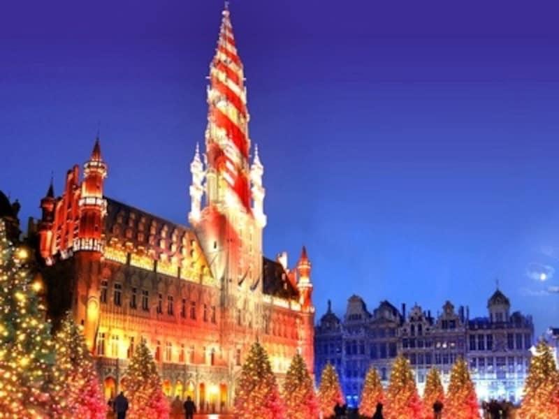 ヴィクトル・ユゴーの賛辞「世界で一番美しい広場」をあなたの目で確かめよう