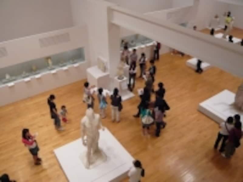 特別展も数多く開催。写真はルーブル展(2008年)の様子