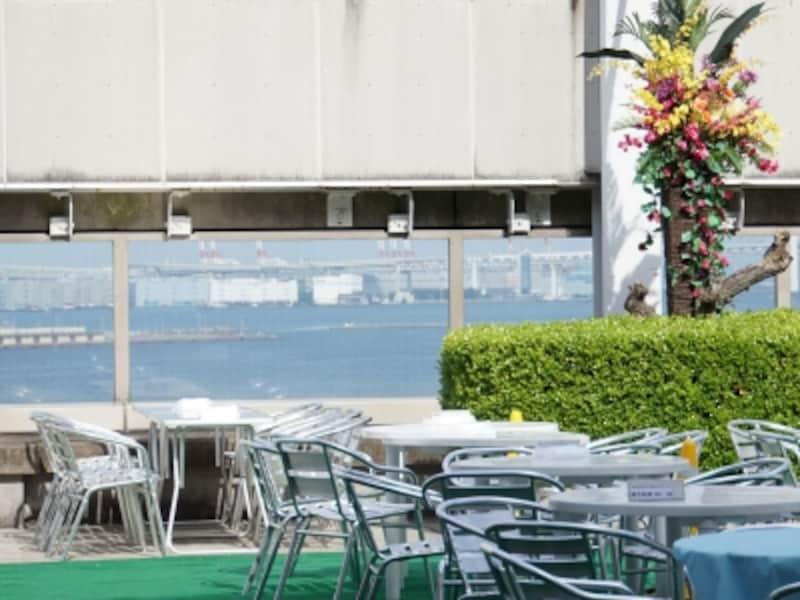 土・日・祝の11:00~14:00には「昼のビアガーデン」もオープン。ファミリーに人気(画像提供:そごう横浜店)
