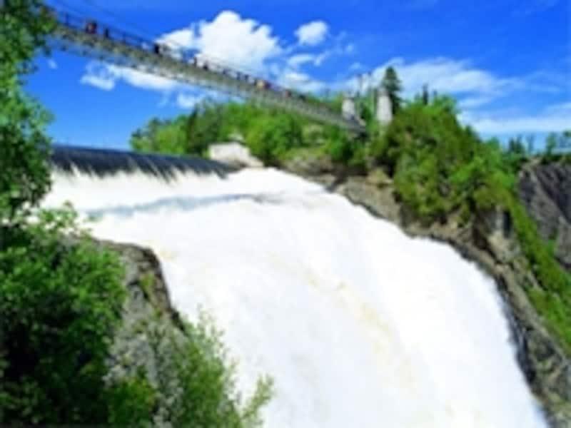 落差はナイアガラ以上のモンモランシーの滝