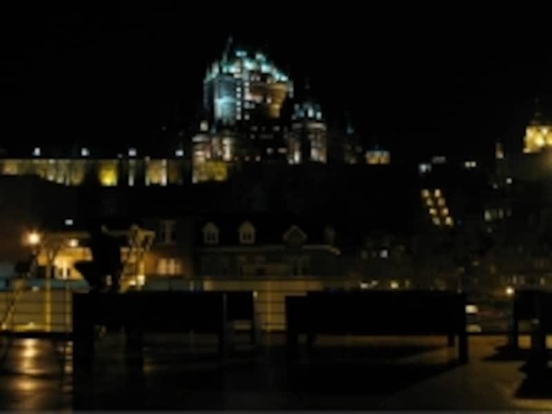 フェリーから見たケベックシティ旧市街の夜景