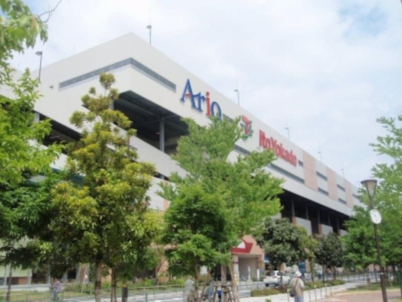 アリオ西新井は、150店舗以上の専門店やシネマコンプレックスが入る複合商業施設