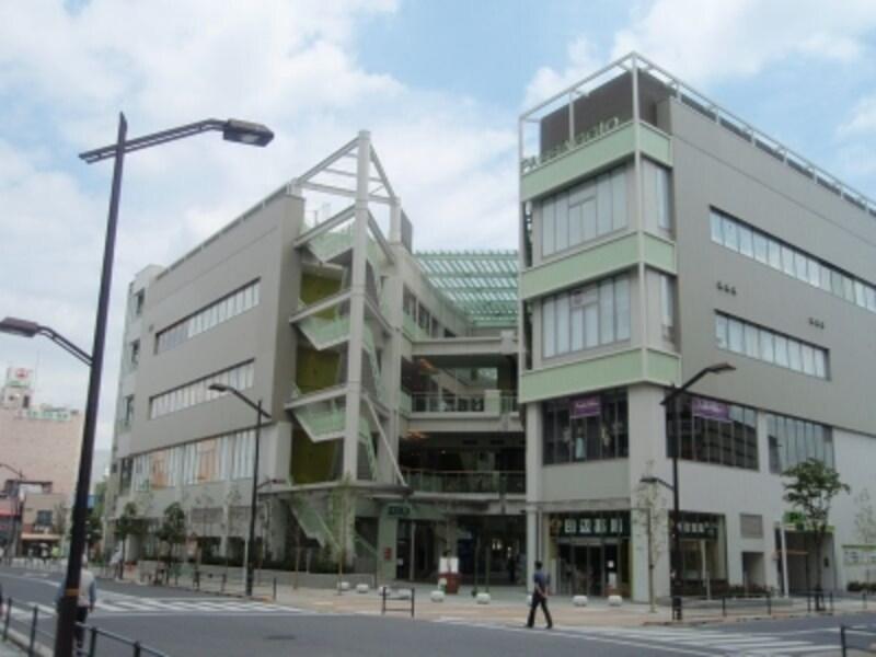 この春オープンした商業モール「パサージオ」undefined成城石井をはじめ、専門店が入っている