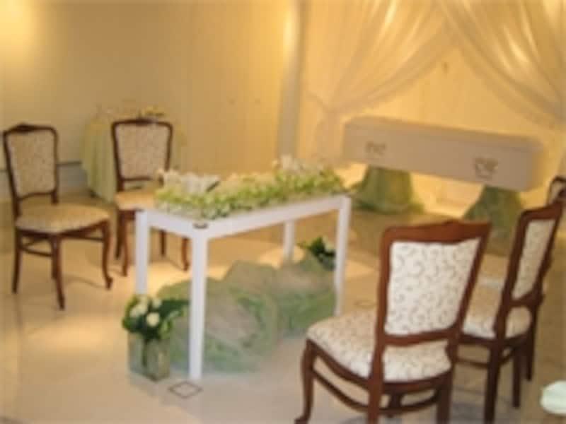 最近は家族葬専門をうたう式場も増えています