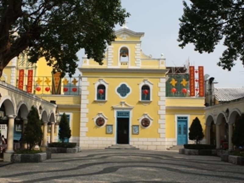 コロアン・ヴィレッジにある人気観光地の1つ「聖フランシスコ・ザビエル教会」