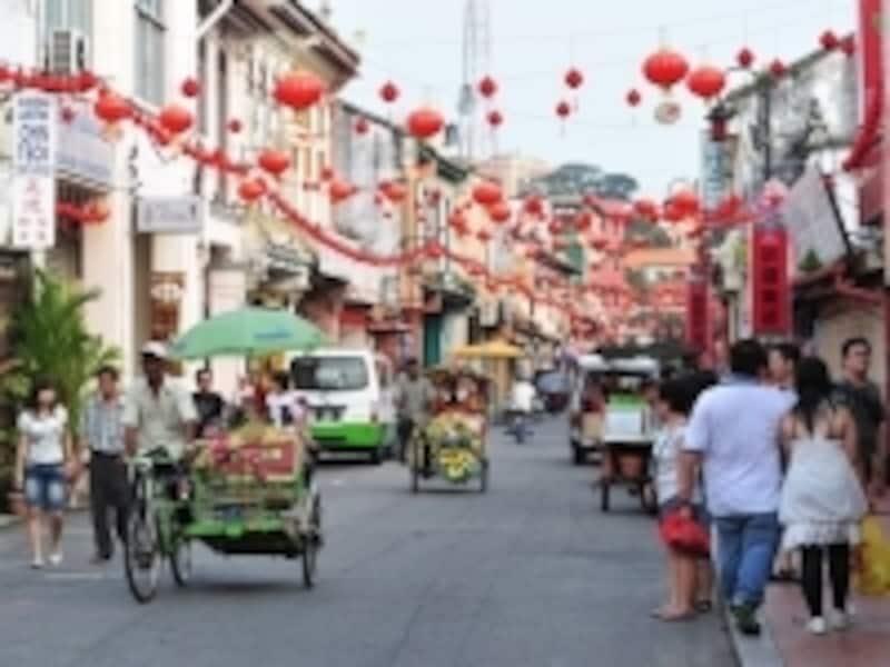 ショップハウスをモダンに改装したインテリアショップや、カフェは観光客に人気が高い