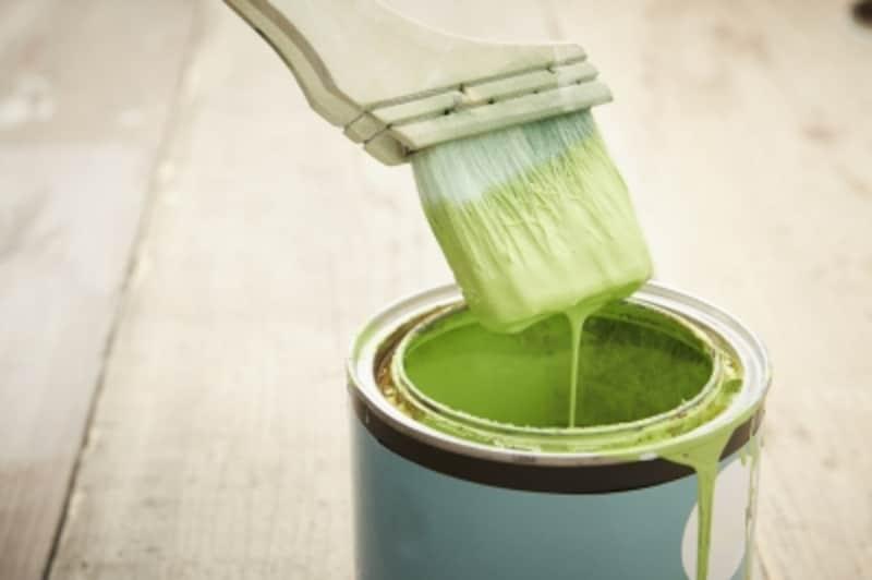 DIYで欠かせない木材の塗装・塗料の選び方・事前準備・失敗しないコツ