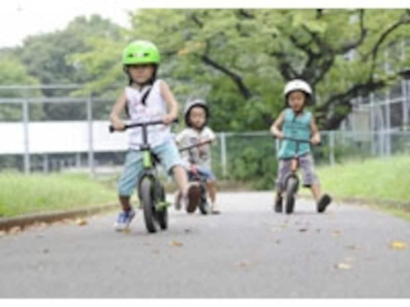 トレーニングバイクは補助輪を外す前のバランス感覚を養うのに効果抜群