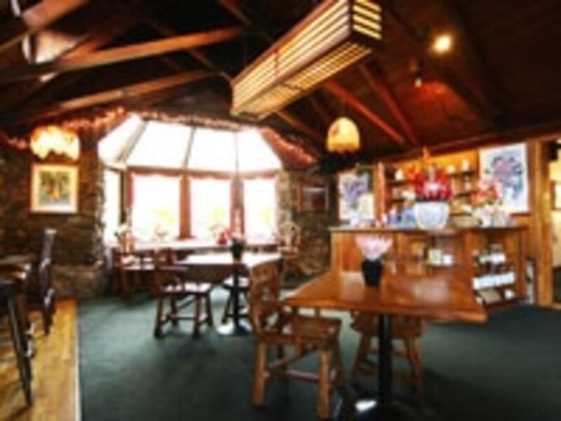 ランチに立ち寄りたいクラ・ロッジ・レストラン(画像協力:ハワイ州観光局)