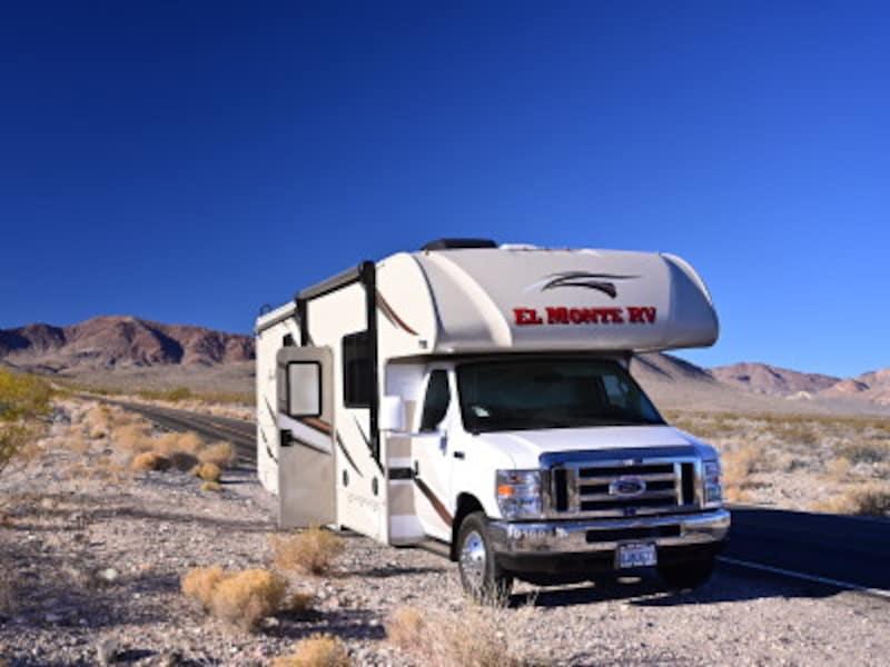 アメリカの大自然を旅するのにぴったりのキャンピングカー。(協力:ElMonteRV)