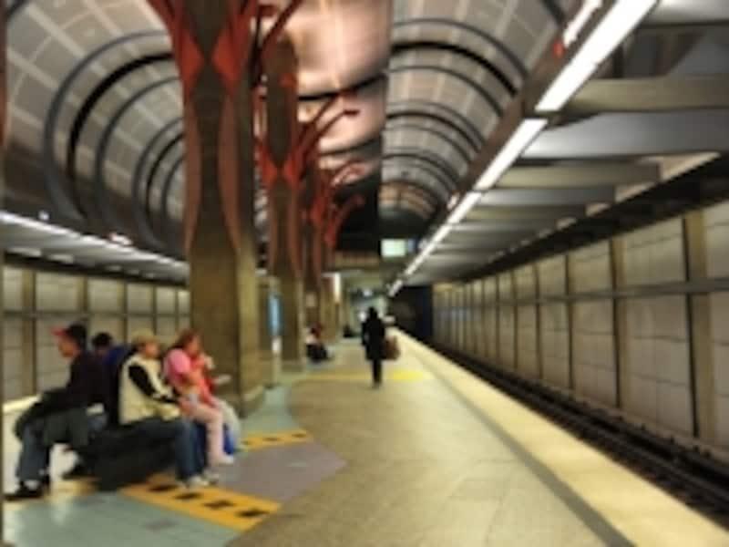 行ける範囲は地下鉄が確実で安全な交通手段