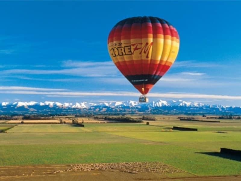 熱気球でゆっくりと空の散歩