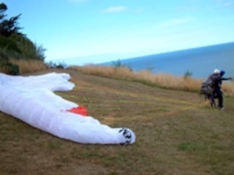 パラグライダーで空を飛んでみよう