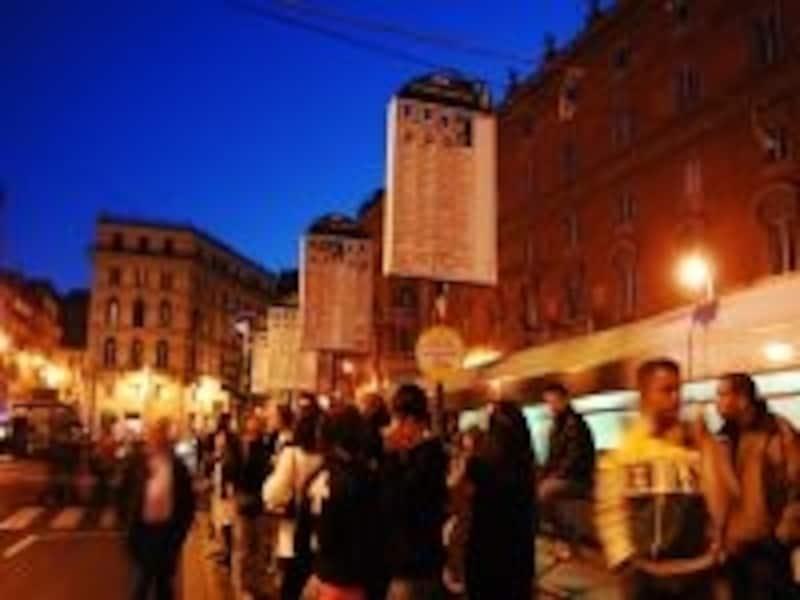 ローマ市内を走るバス網は多い