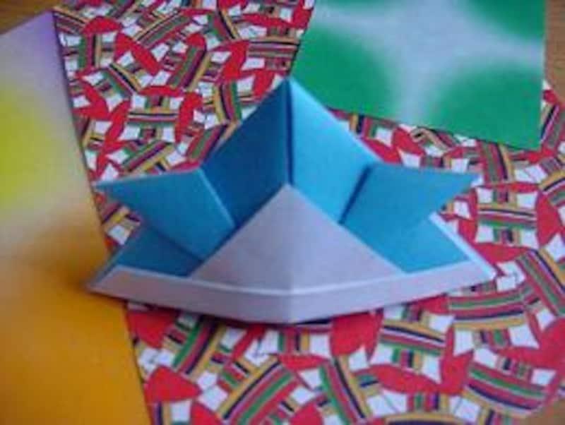 折り紙のかぶと