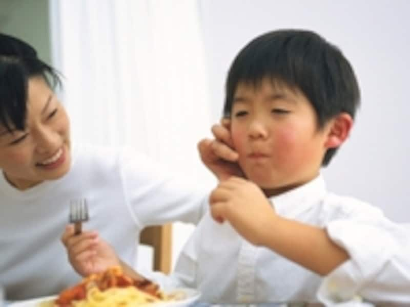 食べ物を粗末にするとたたくという親は多いようです