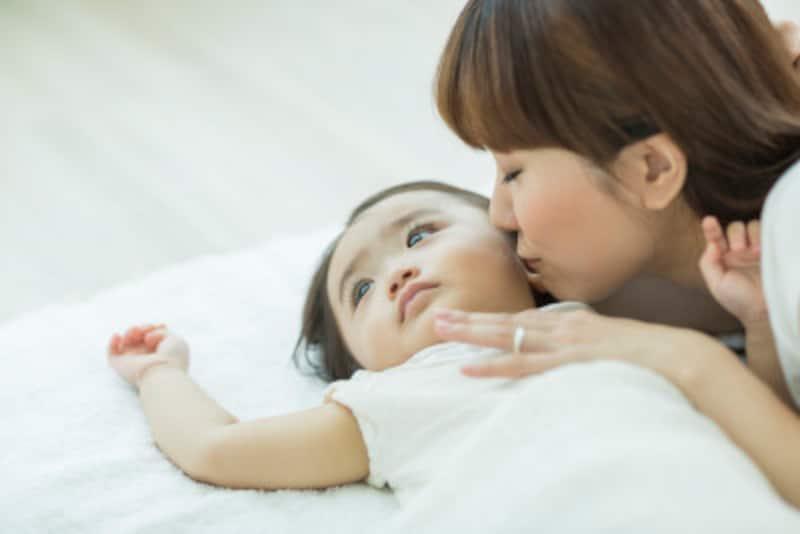 朝起きることをあまりに嫌がるときは、子どもの話をよく聞いてあげて