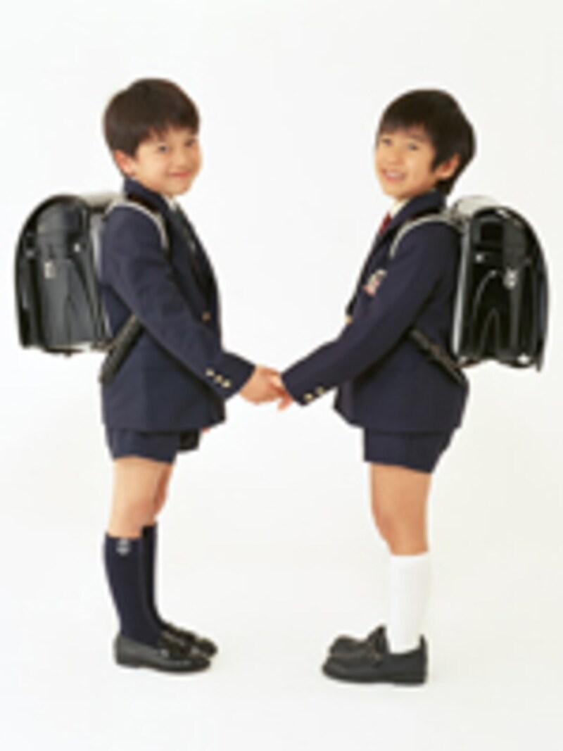 双子の小学生