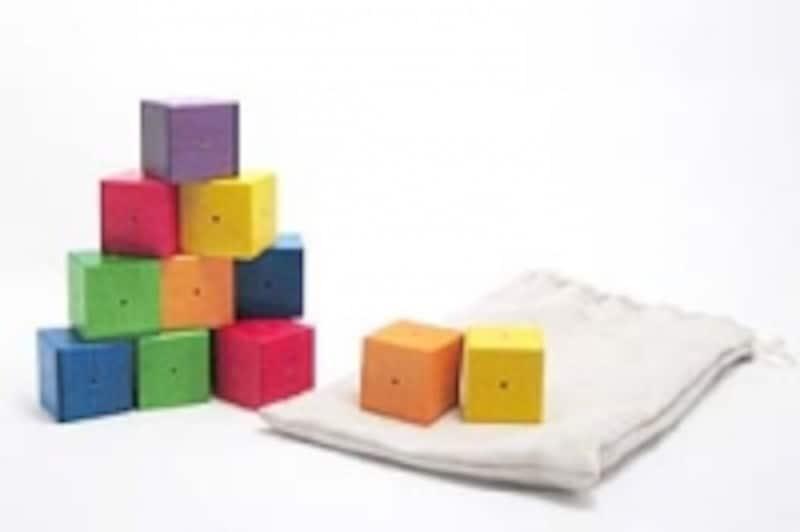 「積み木」は世界中の子どもが愛用するおもちゃ【画像提供:ウッドワーロック】