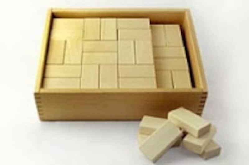 基尺が揃った積み木はズレがないので積みやすい【画像提供:ウッドワーロック】