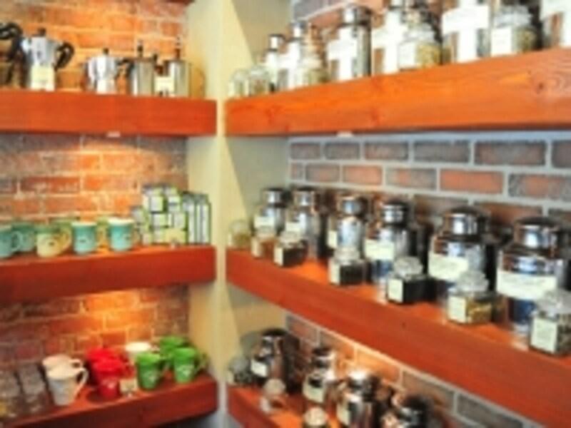 アースカフェのコーヒー&ティーもお土産に最適!