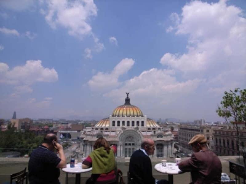 メキシコ生活を楽しむ現地の人たちから、危険の回避法を学びましょう