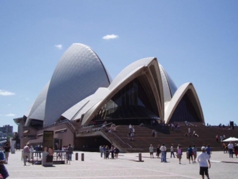 シドニーのランドマーク、世界遺産にも指定される「オペラハウス」