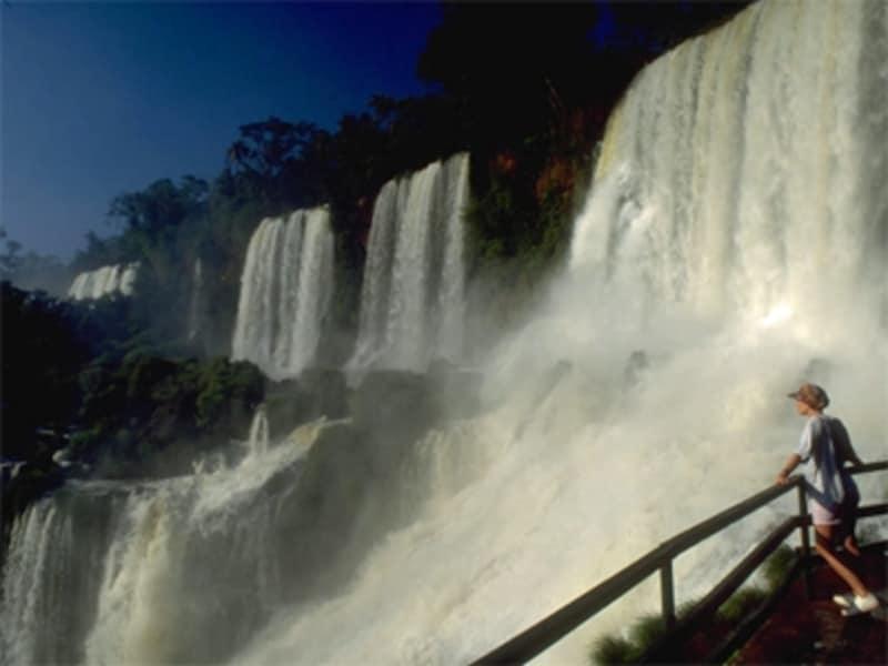 イグアスの滝は、たいていのアルゼンチンツアーに組み込まれているメジャーな見どころundefined写真提供:INPROTURwww.argentina.travel