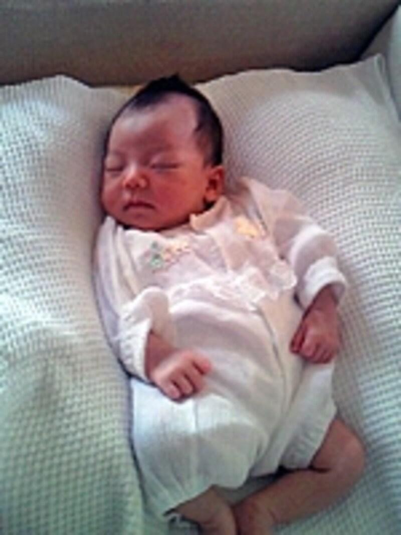 生後1ヶ月までの赤ちゃんは寝ていることが多い