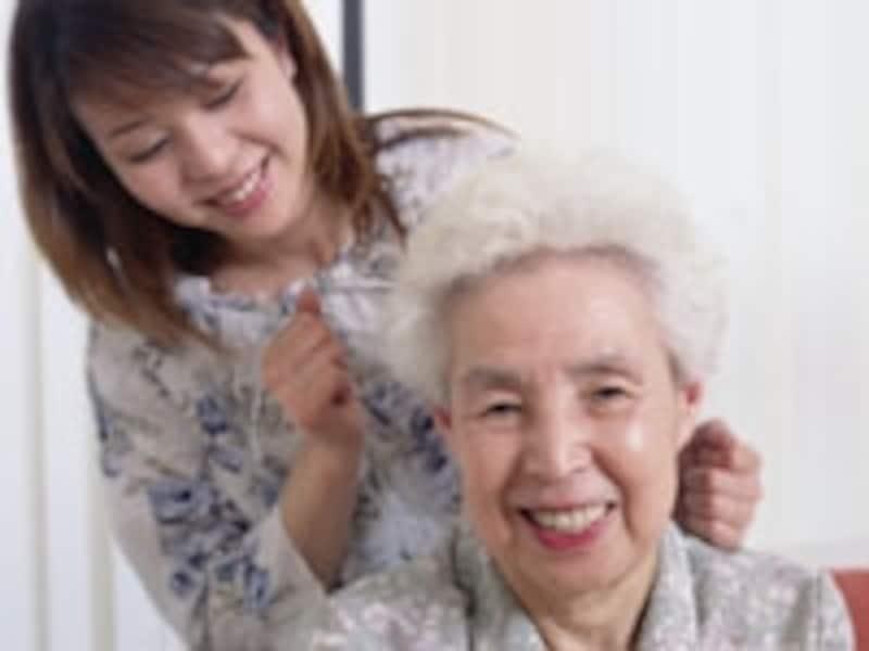 高齢者に対する地道な所在確認が求められている。