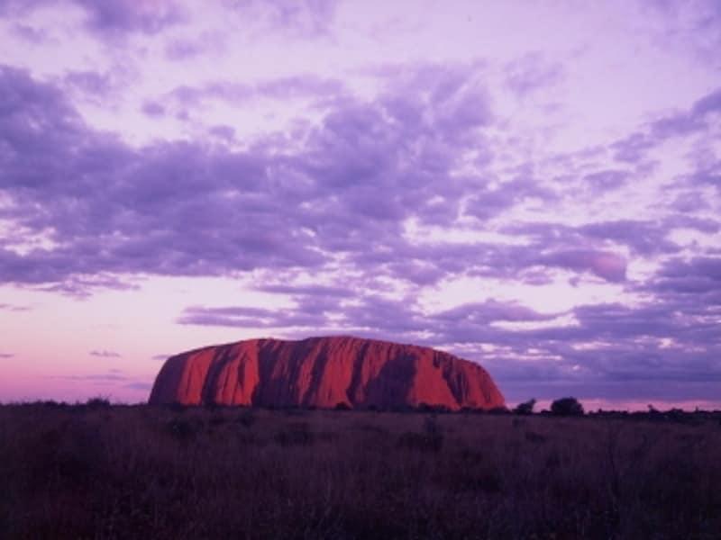 オーストラリアの象徴「ウルル(エアーズロック)」