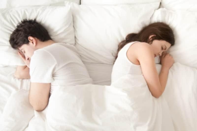 セックスを拒否する側も拒否される側も傷ついている?