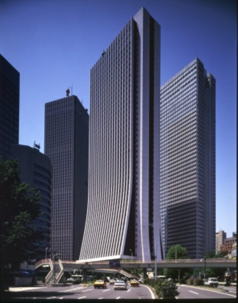 新宿副都心のシンボルでもある損保ジャパン日本興亜本社ビル