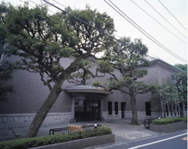 完成な住宅地にある松岡美術館